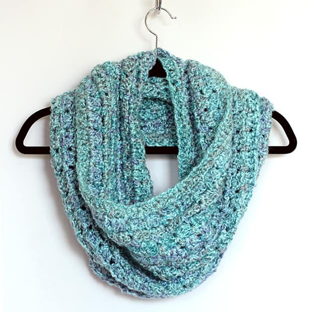 ... shares a crochet infinity scarf free pattern that is easy to follow