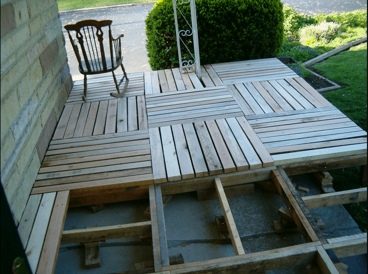 Wooden Pallet Porch DIY Project - Our Home Sweet Home