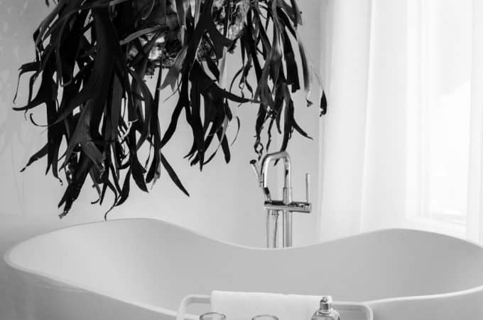 Best Bathtub Scrubber (To Get The Job Done Right!)