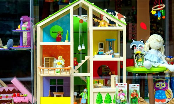 The Best Dollhouse For Toddlers (Top 12 Reviews in 2020)