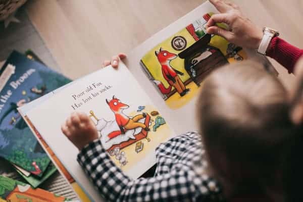 Best Books for 2 year olds, pic of child reading