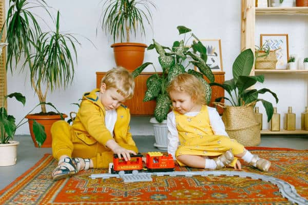 Best Train Sets for Toddlers, pic of kids playing